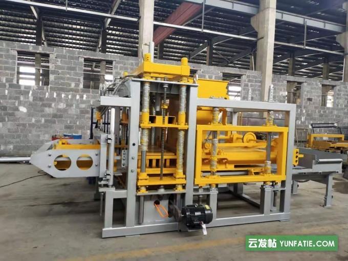 砖机设备厂家自产自销·全自动半自动设备砖机磨具等
