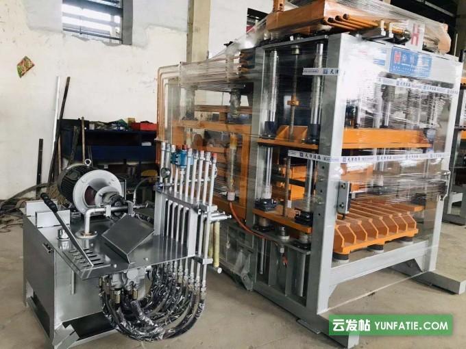 浩海砖机设备生产厂家·全自动码垛机上板机叠板机浸泡机等